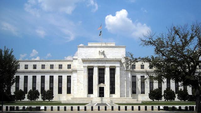La Reserva Federal de EE.UU. baja las tasas de interés por primera vez en más de una década