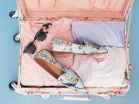 10 Perlengkapan wajib Dibawa Saat Liburan ke Pantai