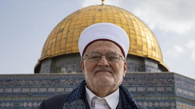 Jerusalem's grand mufti warns Control of Al-Aqsa mosque 'under threat' by Israel