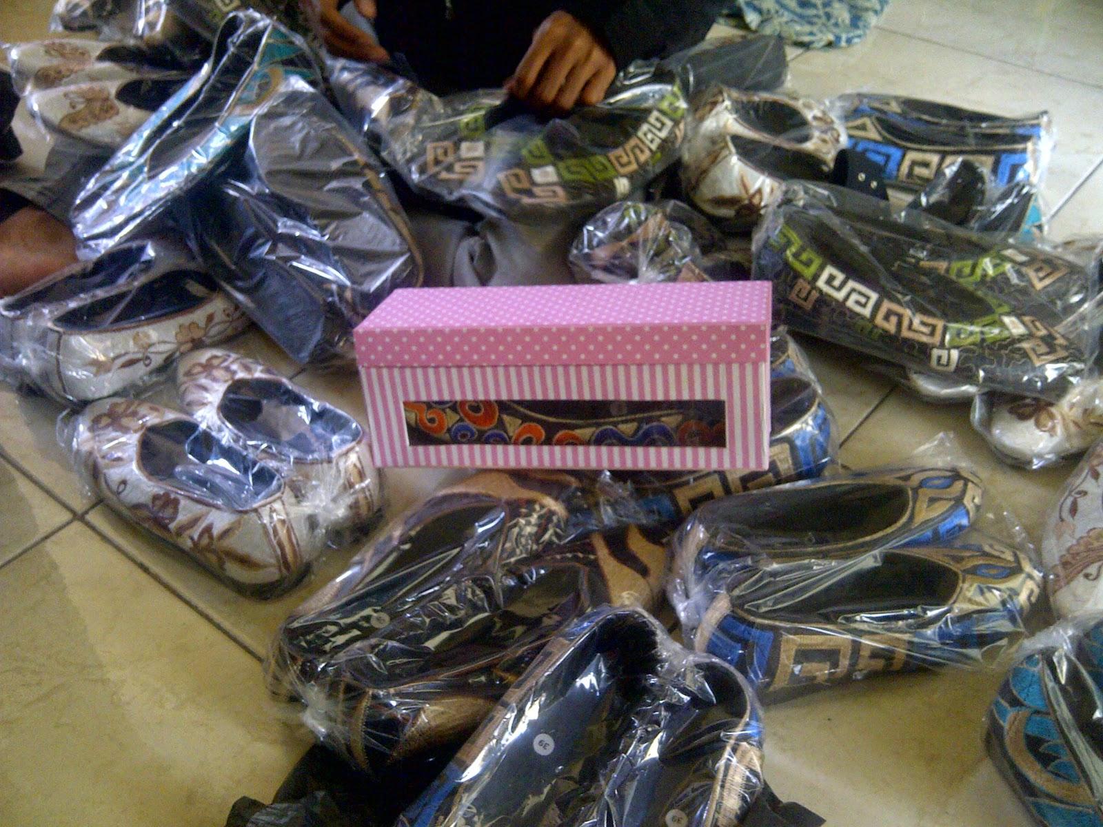 Grosir Sepatu Bordir Malang, Grosir Sepatu Bordir Jakarta, www.distributorsepatumurah.com