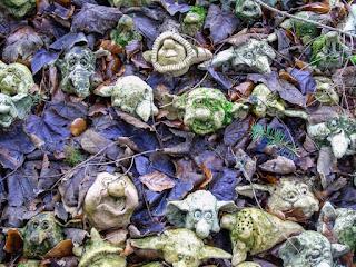 Troles islandeses camuflados en las hojas