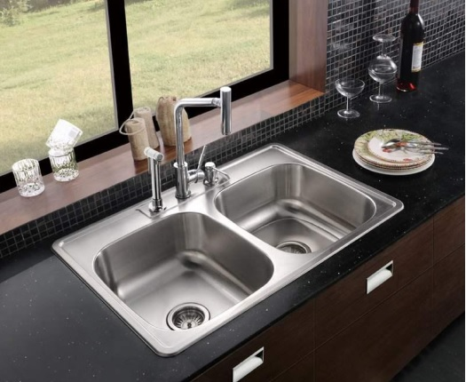 Superieur Bottom Mount Or Under Mount Sinks Are Installed Below The Countertop  Surface. The Edge Of The Countertop Material Is Exposed At The Hole Created  For The ...