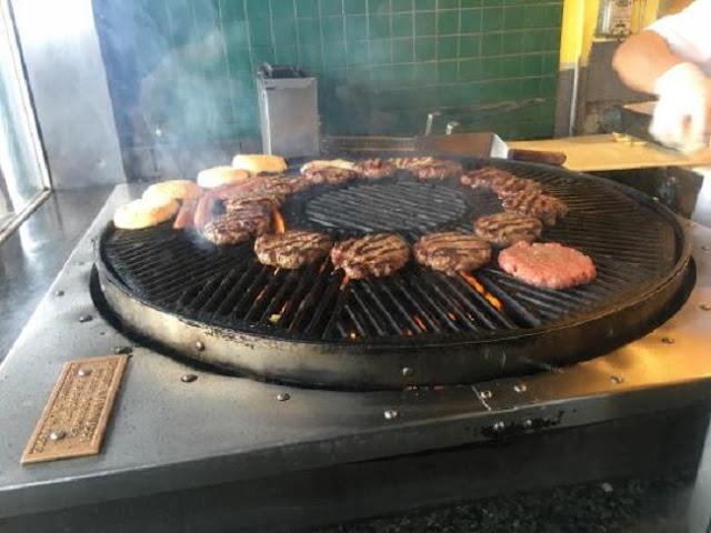 O melhor hambúrguer do mundo em Sausalito