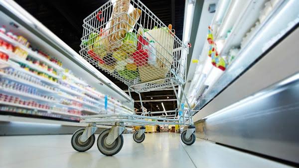 Hiper e Supermercados: reclamações subiram 75%. Compras online na origem de 47% das queixas.