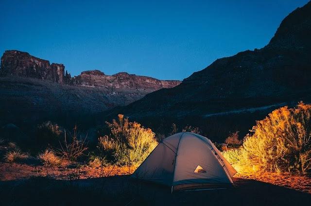 2. Camping di Kaki Gunung