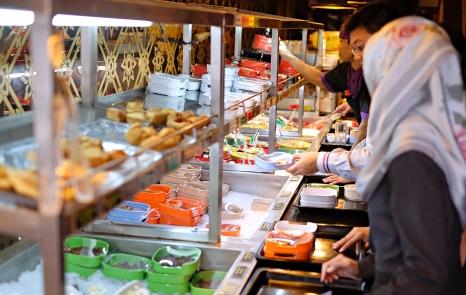 Etika Makan Suki Street Food