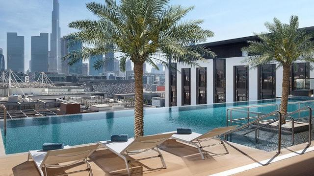 5 swimming pool with spectacular view in dubai all - Egyptian club dubai swimming pool ...