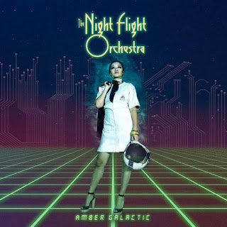 "Το βίντεο των The Night Flight Orchestra για το τραγούδι ""Something Mysterious"" από το album ""Amber Galactic"""