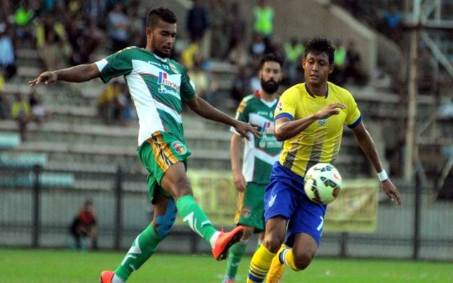 Gresik United vs Mitra Kukar