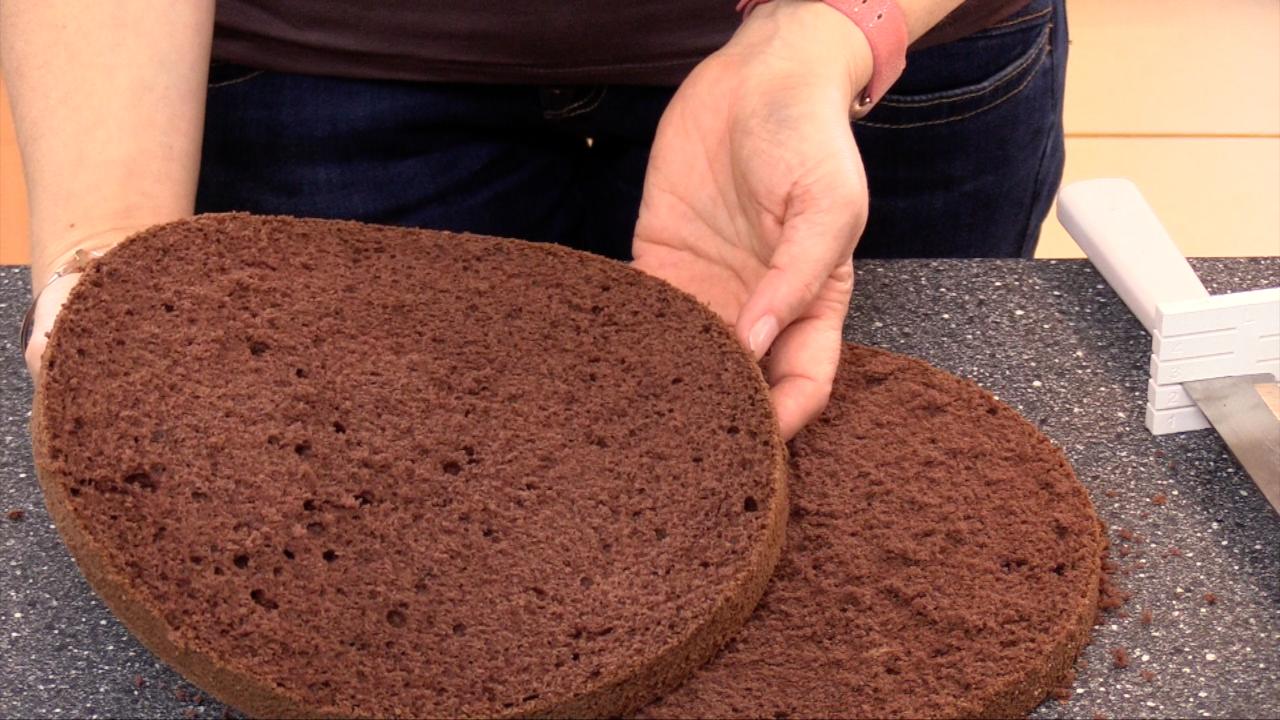 Schokoladen-Biskuit Grundrezept - super hoch und gleichmäßig