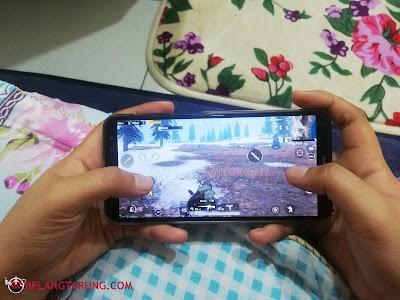 Bermain PUBG Mobile