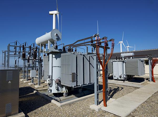 بحث جديد يوضح إمكانية الهاكرز إيقاف شبكات الكهرباء عن طريق استغلال عيوب أمنية بالألواح الشمسية