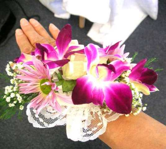 Different Types Of Flowers For Corsages