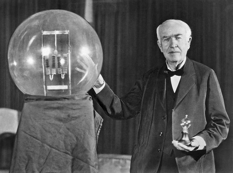 Biography of Thomas Edison in Marathi Motivational Story