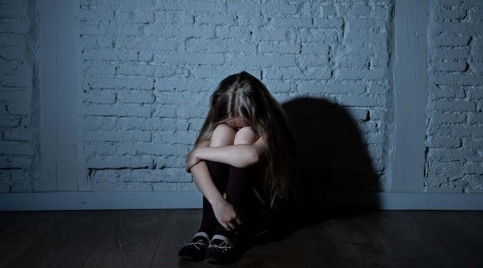 Tizenéves kislánnyal simogattatta nemiszervét a szabolcsi tanár