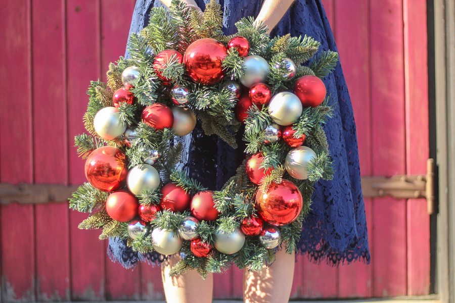25 Festive Dresses You Will Love For The Holidays