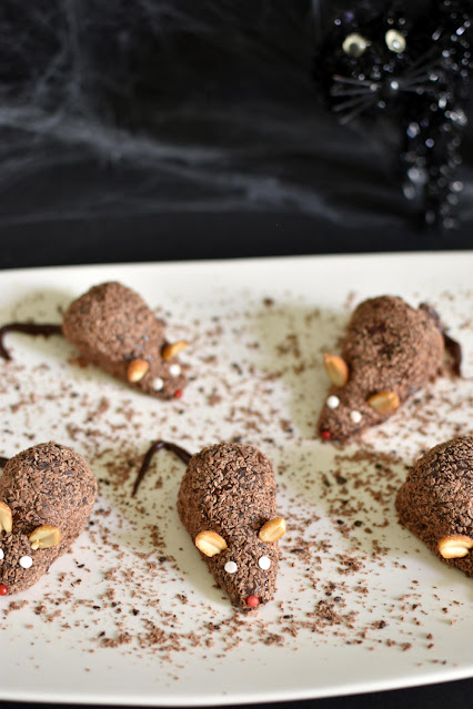 Have a spooktacular Halloween with these 41 #glutenfree Halloween recipes! Ranges from #paleo witch finger cookies to #vegan stuffed pumpkin! #celiac