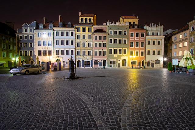 Piazza della città vecchia di notte-Rynek Starego Miasta-Varsavia
