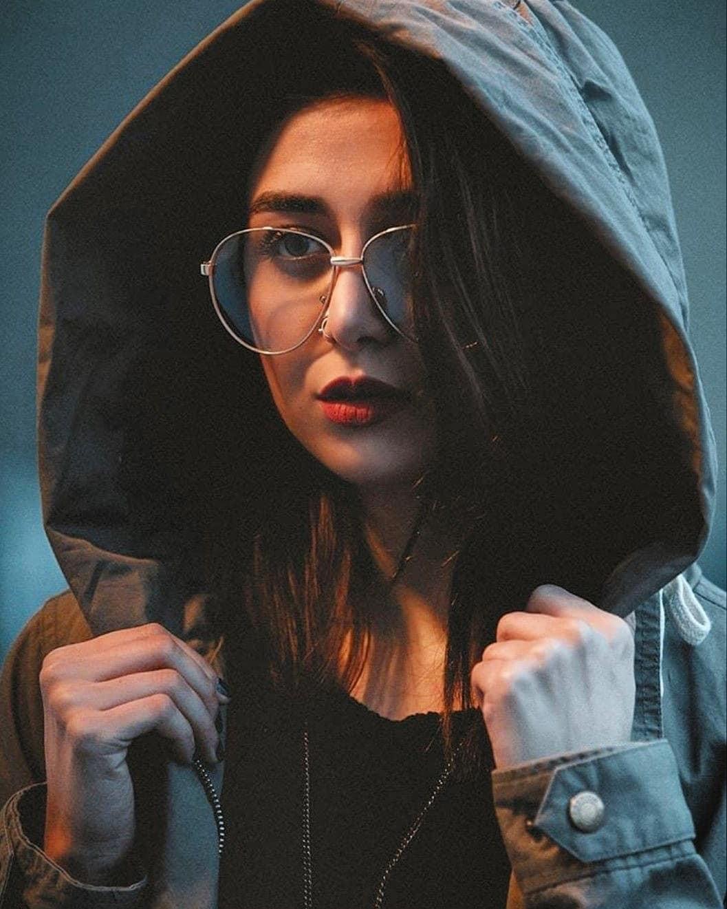 World Stylish Girl DP for Facebook Profile 2020