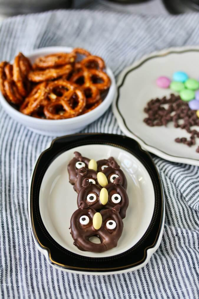 Chocolate covered Halloween Pretzel Owls