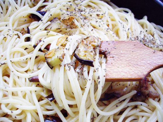 espaguetis con berenjena