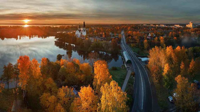 See the golden fall in the ancient capital of Russia