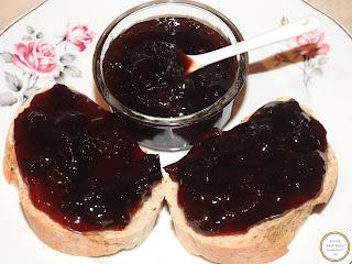 Gem de prune pe paine reteta,