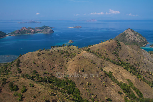 Labuan Bajo; Flores; Komodo; Rinca; Manggarai; Manta Point; Pink Beach; Batu Cermin; Cunca Wulan; Cunca Rami; Kota laboan Bajo; Obyek Wisata Labuan Bajo; Pulau Komodo; Pulau Rinca; Gili Laba; Pantai Merah; Manta; Diving Komodo; Sailing Komodo; Flores Overland; Flores From Above; Kanawa; Pulau Bidadari; Resort in Labuan Bajo; Bacpacking to Komodo