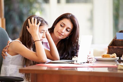 Ergenliğe Giren Kıza nasıl Davranmalı?