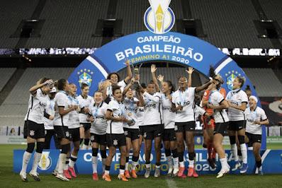 Corinthians celebra título do Brasileirão Feminino 2020. Crédito: Lucas Figueiredo/CBF
