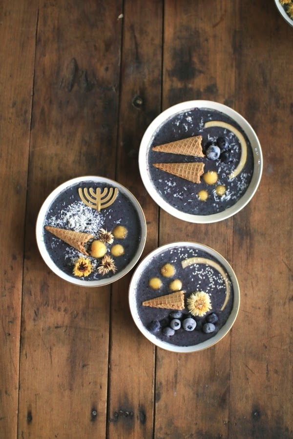 Smoothie Bowl Recipe for the Feast of Trumpets - how to celebrate Biblical holidays | Land of Honey