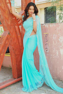 Udaya-Banu-blue-saree
