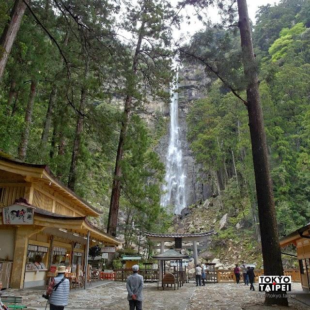 【那智瀑布‧飛瀧神社】高低落差133公尺 森林中被視為神明的靈性瀑布