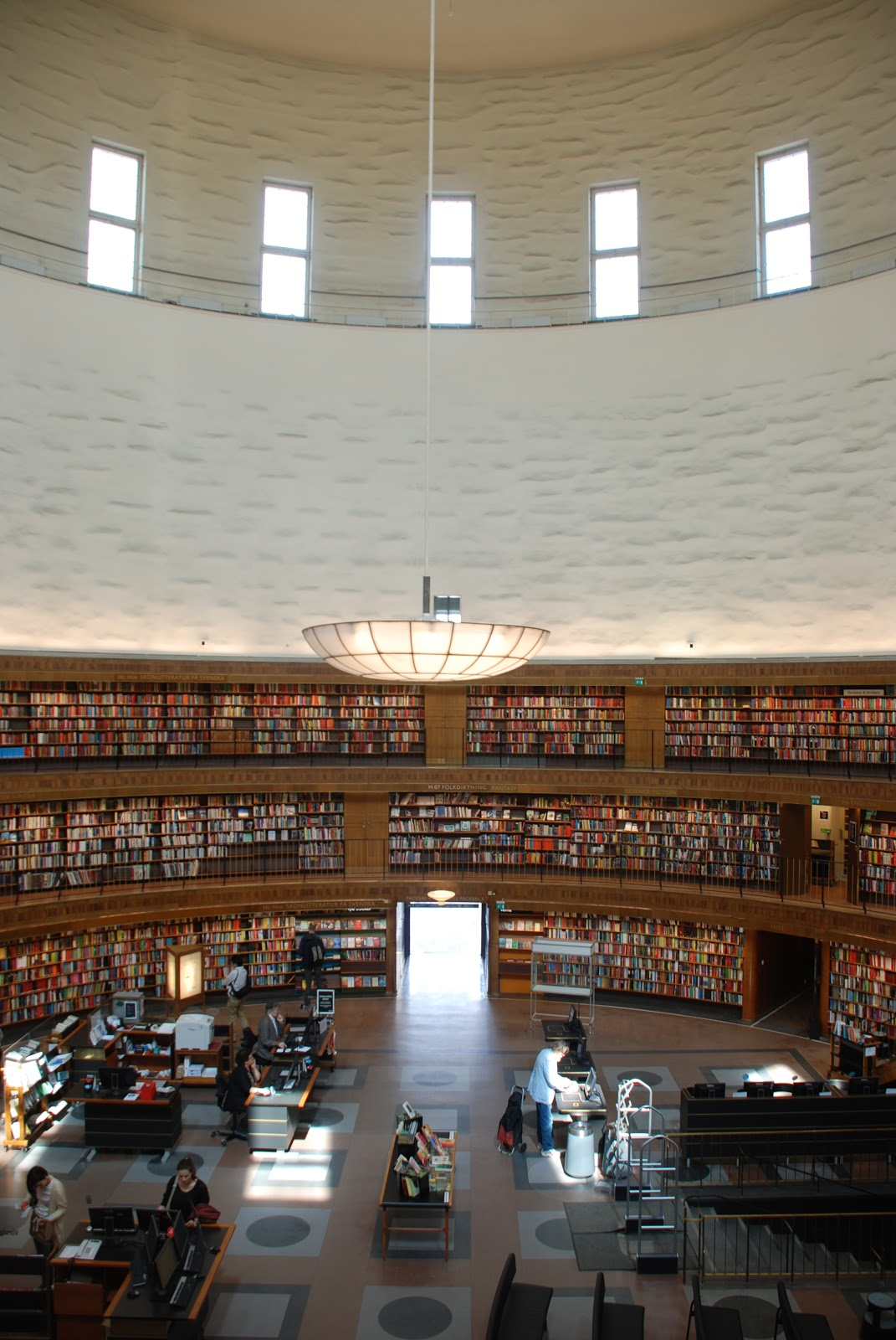 central hall, Stockholm Public Library - Gunnar Asplund