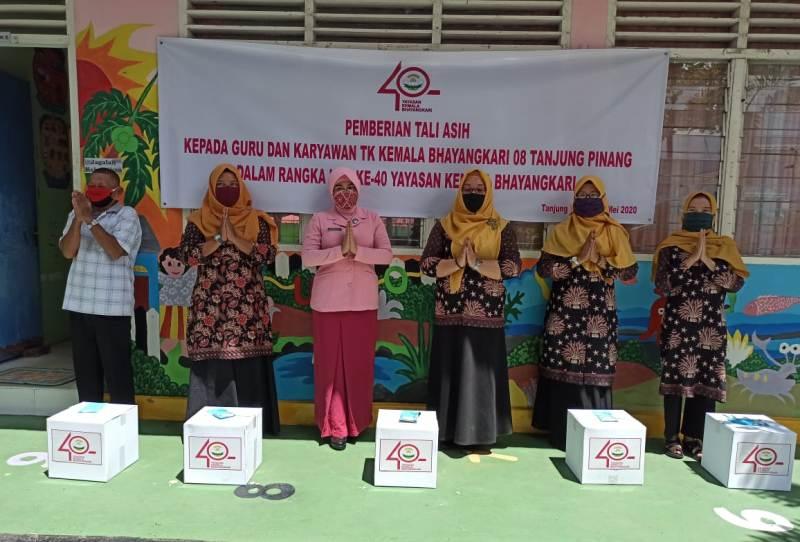 HUT YKB ke 40, Bhayangkari Tanjungpinang Berikan Tali Asih ke Dian Kemala dan Warakawuri Serta TK Kemala Bhayangkari