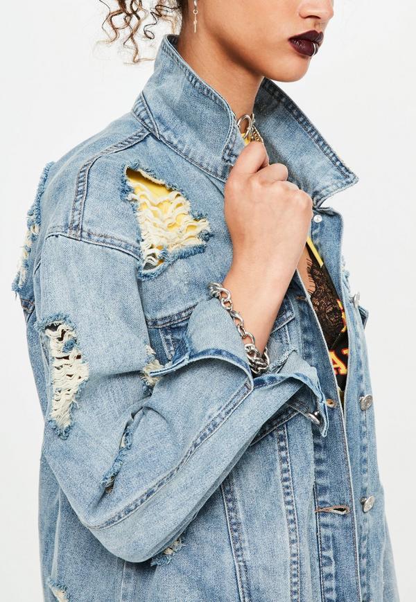 jeansowa kurtka z dziurami MISSGUIDED