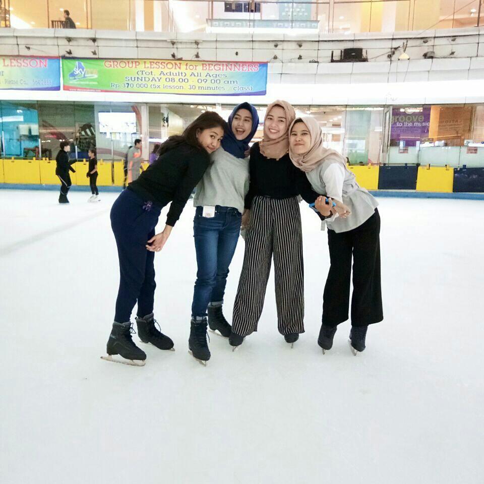 Harga Tiket Masuk Ice Skating Taman Anggrek Terbaru Dan Update