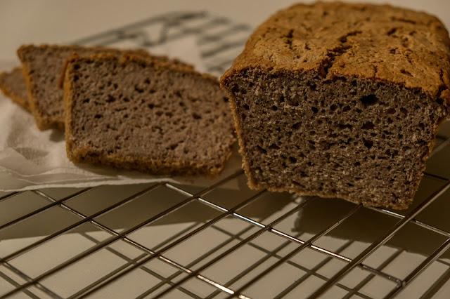 Impasto usando solamente farina di grano saraceno