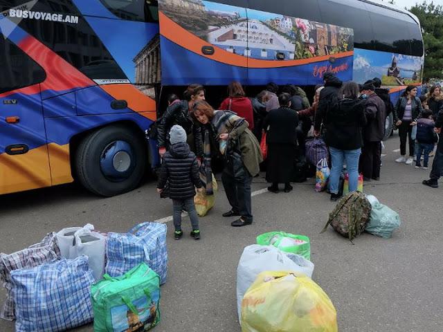 Недовольство ереванцев: В то время как карабахские армяне отдыхали в Ереване, ереванские воевали за них на фронте