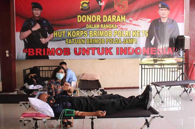 Dalam Rangka HUT Brimob Ke 75, Satuan Brimob Polda Jambi Laksanakan Aksi Donor Darah