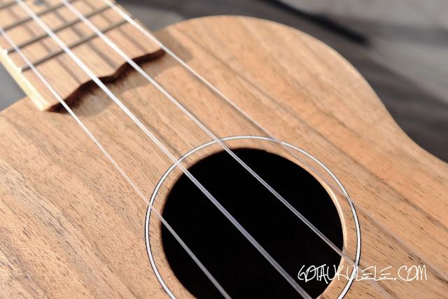 Brüko Walnut Soprano ukulele decoration