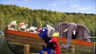 Sesame Street Episode 4404 Latino Festival season 44, Super Grover 2.0 Rockin' the Boat, Super Grover comes for help, sheep, Elephant