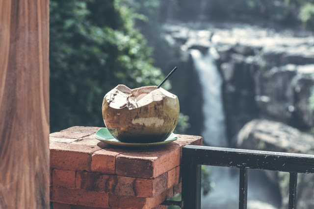 Coconut water, Benefits coconut juice, coconut health benefits,  drinking coconut water