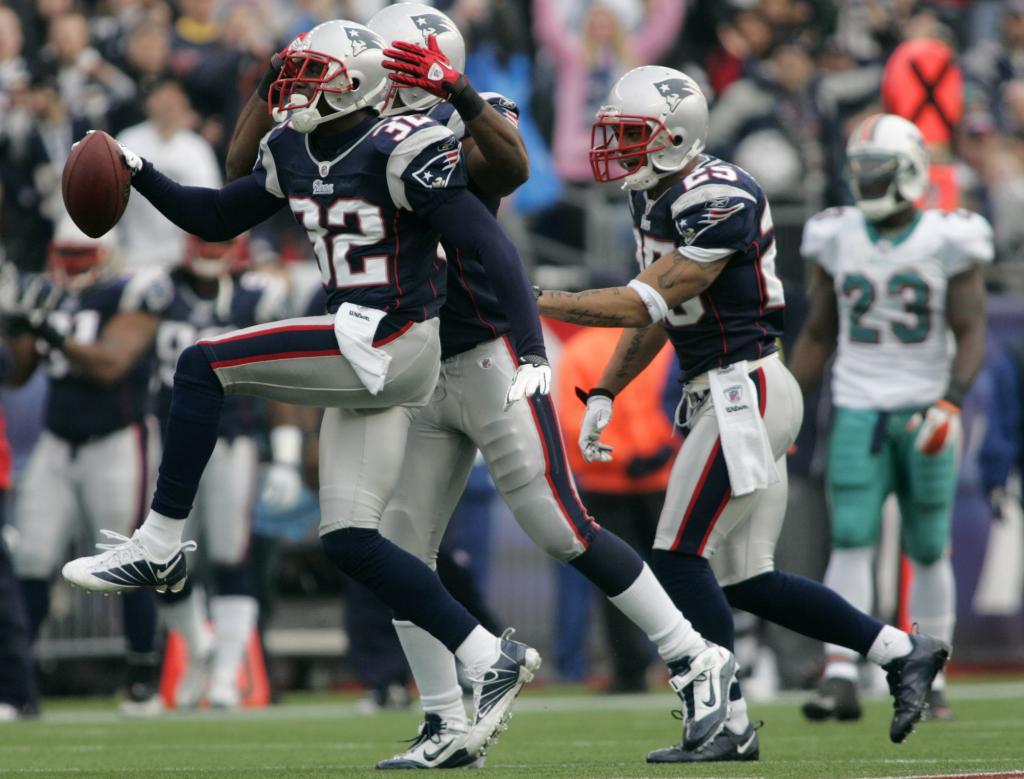 Miami Dolphins vs New England Patriots Soccer - Fliptic