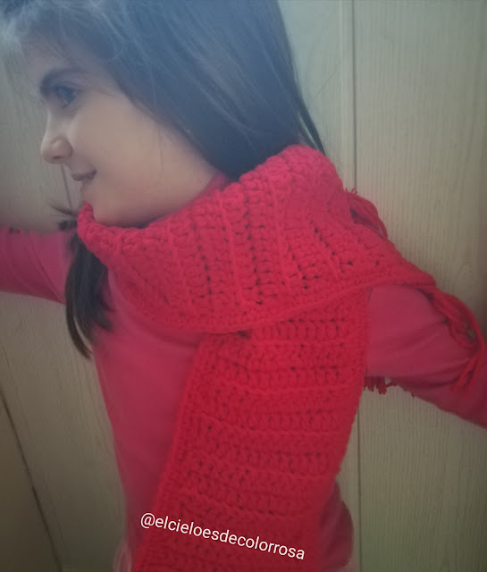 bufanda roja de lana