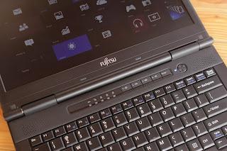 Laptop Fujitsu S752 Spek Tinggi Bekas