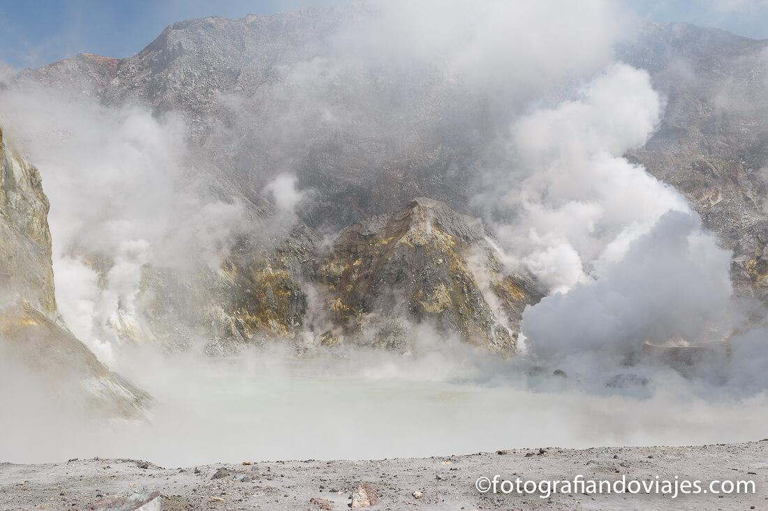 cráter de White Island, isla Blanca o Whakaari en Nueva Zelanda