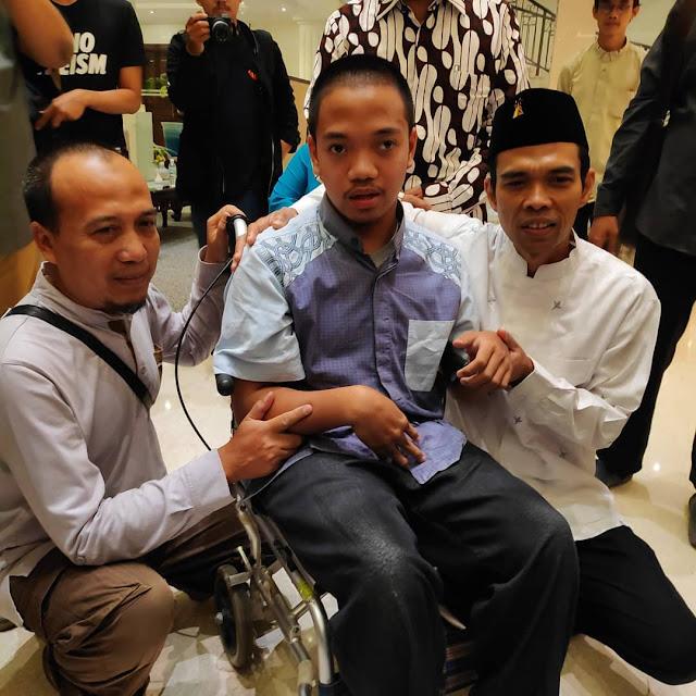 Cacat Fisik, Fajar Rela Datang ke Jogja dari Bandung Demi Temui Ustadz Abdul Somad