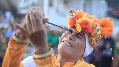 5 Tradisi Paling Ekstrem Suku Bugis