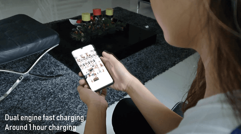 The Vivo V11 has Dual Engine fast charging